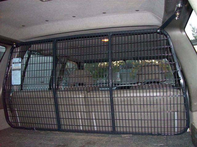 Cargo barriers